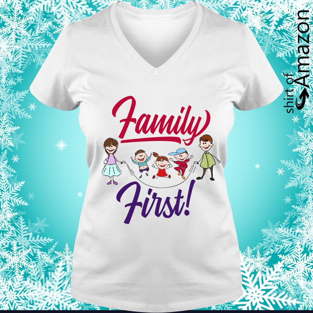 Family first s v-neck-t-shirt